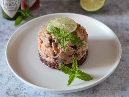 Ceviche di salmone e riso rosso